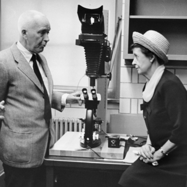 Dr. Charles B. Huggins, University of Chicago professor and director of the Ben May Laboratory with members of the UCCRF Women's Board in 1965.